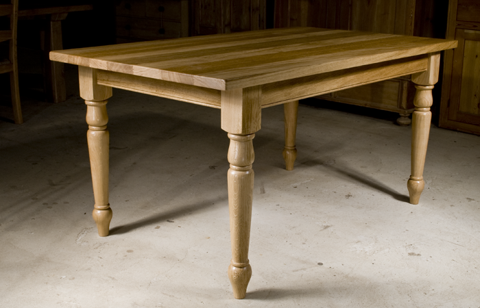 Handmade oak kitchen table the oak pine barn hampshire for Oak kitchen table
